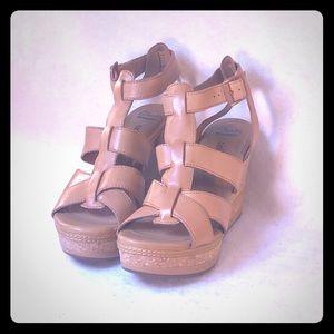Clarks Leather Wedge Platform Sandals W 9.5